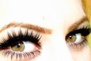 紫外線で危険な眼