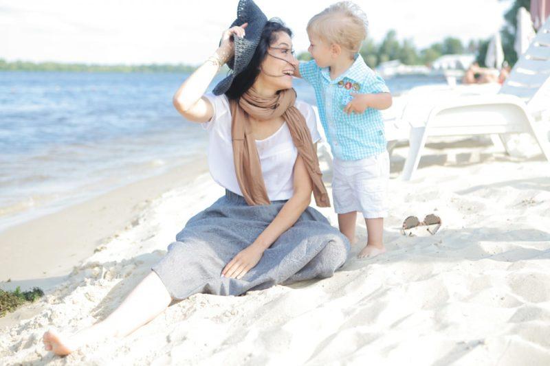 紫外線対策赤ちゃんと母親