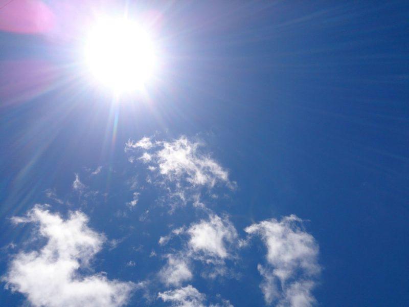青空と太陽(紫外線)