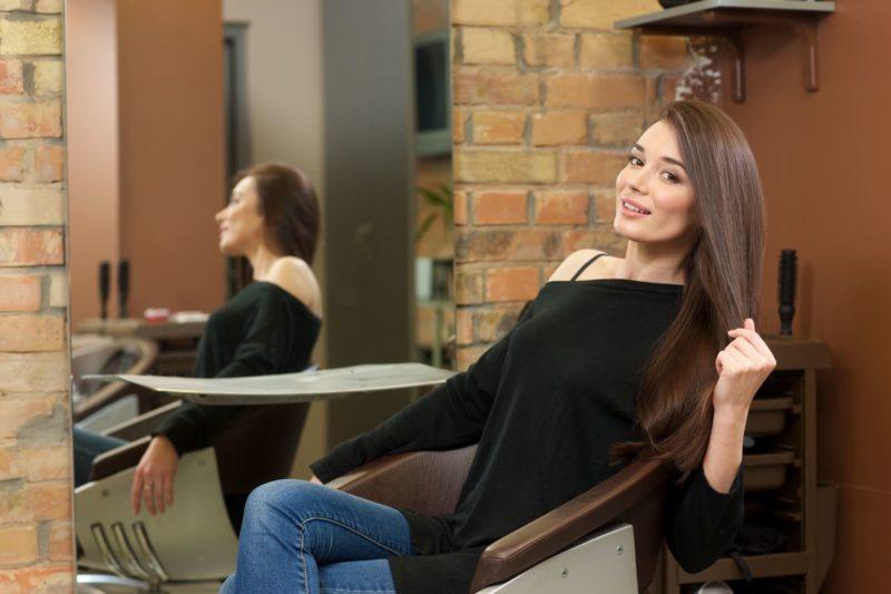 髪の綺麗な外国人女性・長髪
