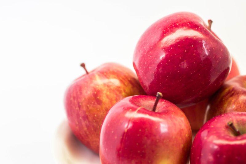 沢山のリンゴの画像