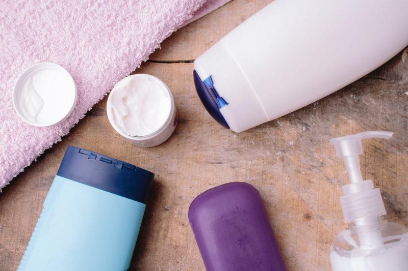 様々な基礎化粧品の画像