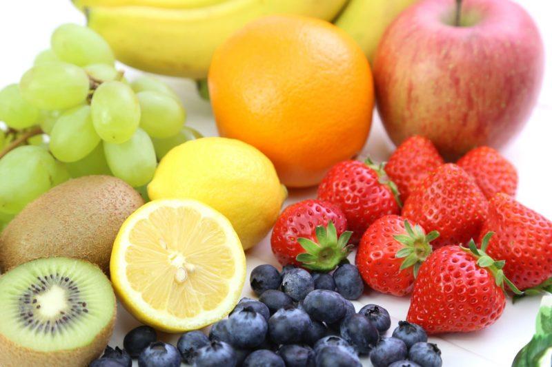 沢山の果物の画像