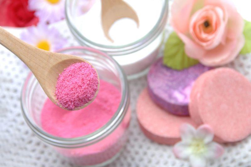 きれいな薔薇色のバスソルト