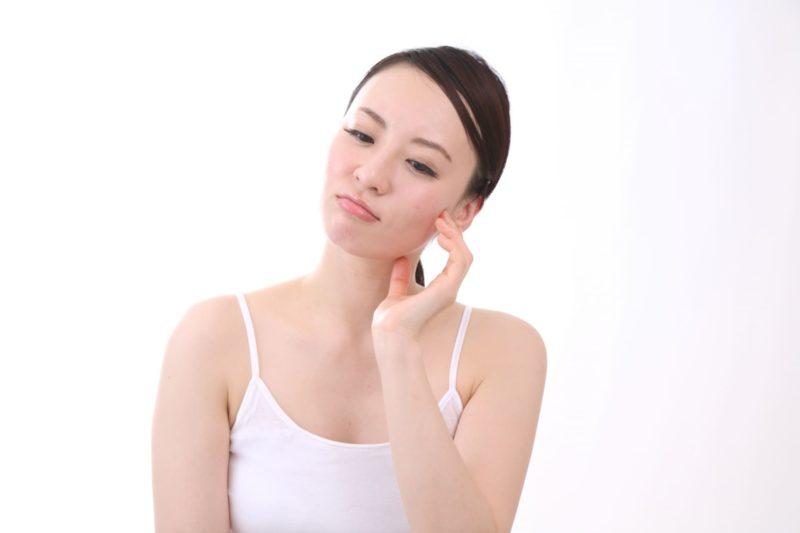 美白効果に悩む女性