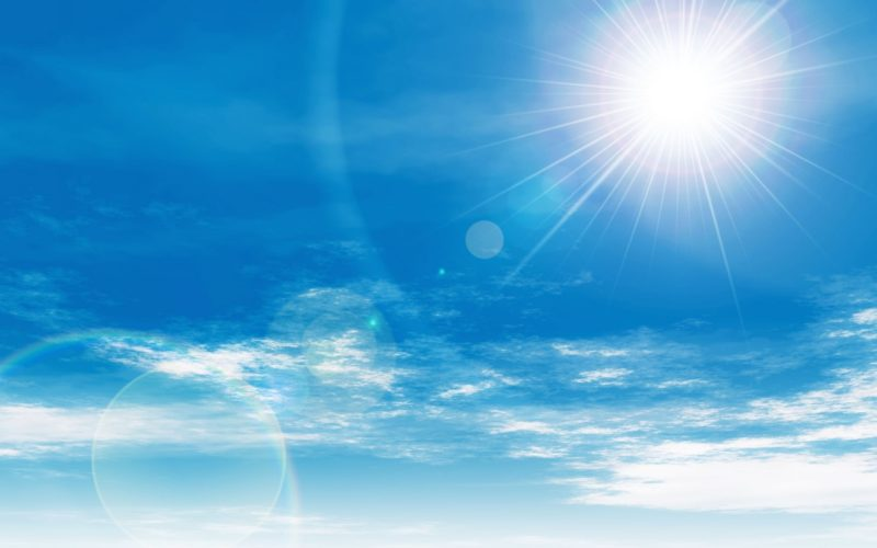 燦燦とした太陽光