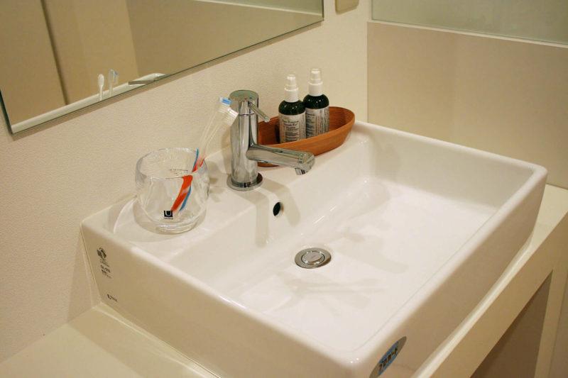 清潔にされている洗面所の画像
