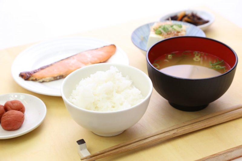 シンプルな和食の朝ごはん