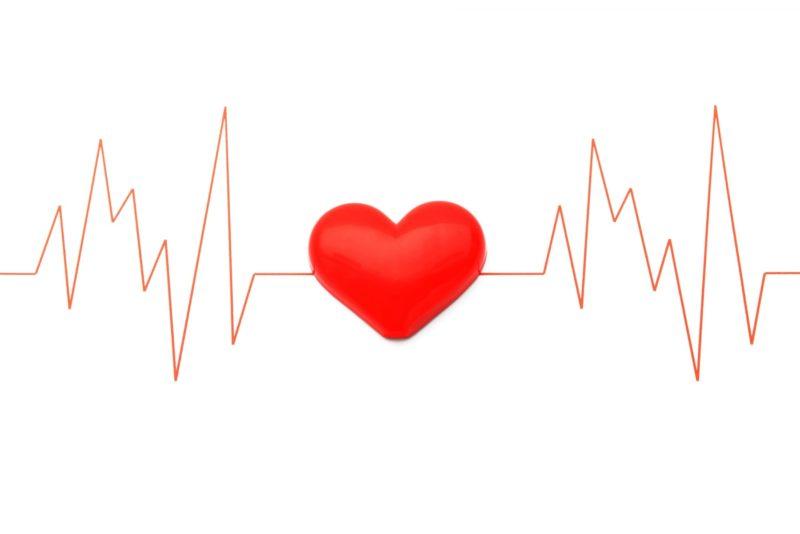 心拍数が乱れて心臓がドキドキ言っている図