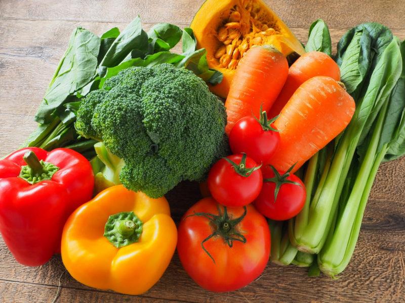 並べられた緑黄色野菜たち