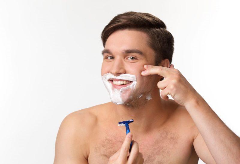 女性だけではない。男の乾燥肌の原因と対策 髭剃り