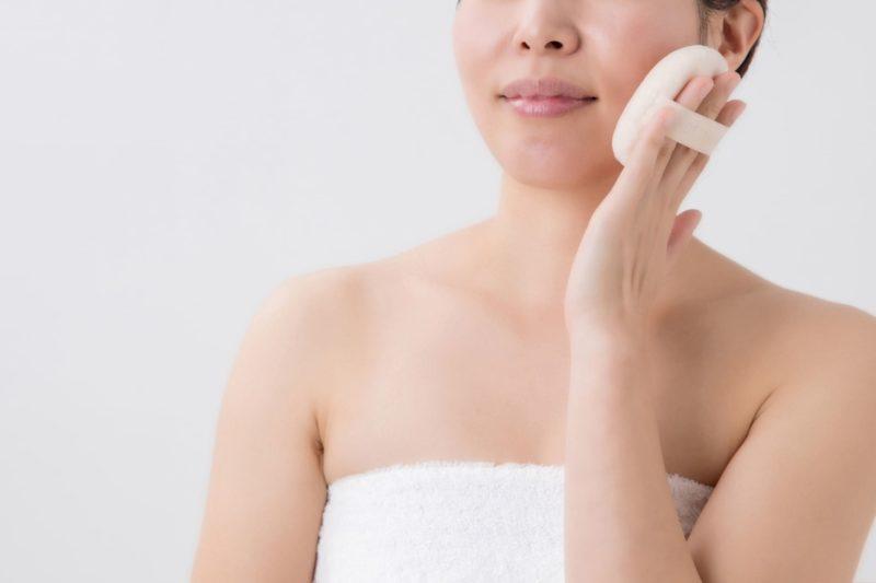 乾燥肌の人向けのファンデーションの使い方 パフ