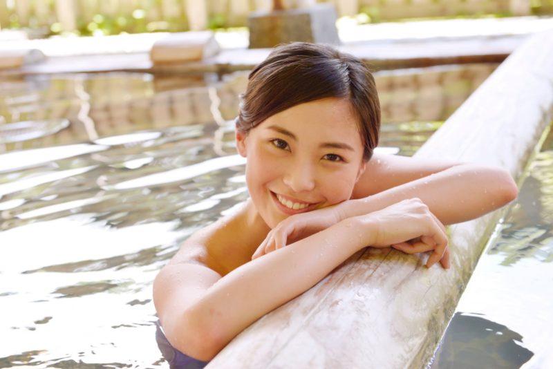 潤い肌を実現する優れものの保湿成分はなに 温泉