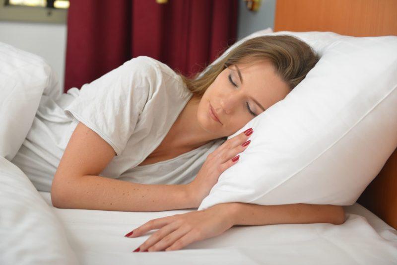 女性の8割がなっていると言われるインナードライ肌とは 睡眠