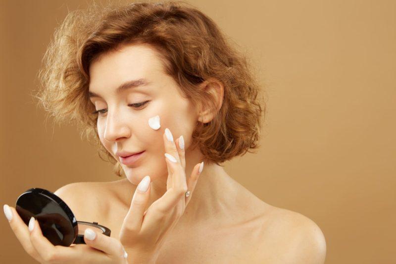 乾燥肌の人向けの化粧下地の使い方 ファンデーション