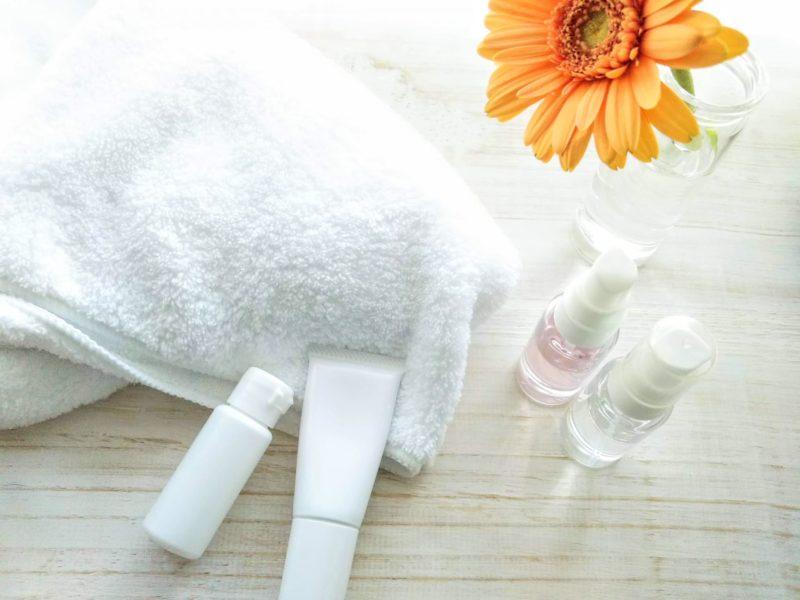 セラミド配合で美容液は潤い肌を与えられるか 化粧水
