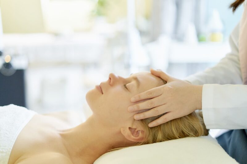 髪と頭痛の意外な関係性とは マッサージ