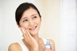 乾燥肌に効く美容液の成分とは 表紙