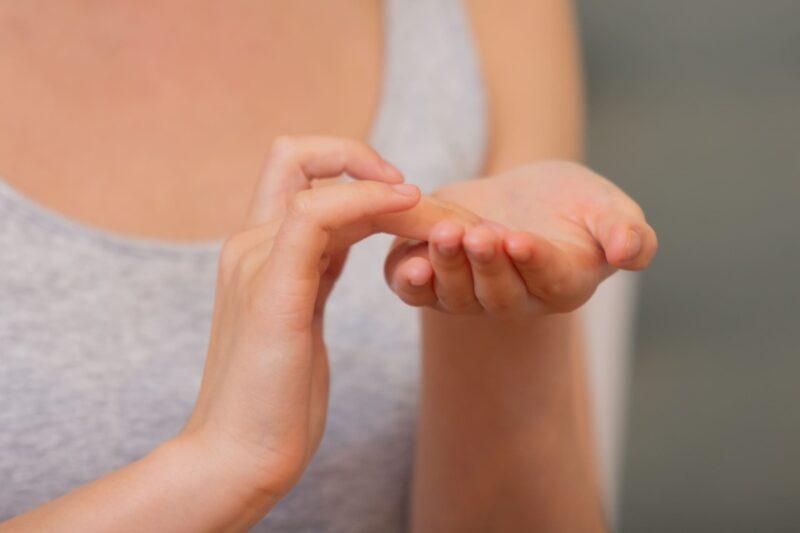エアコンによる肌への影響とは クリーム