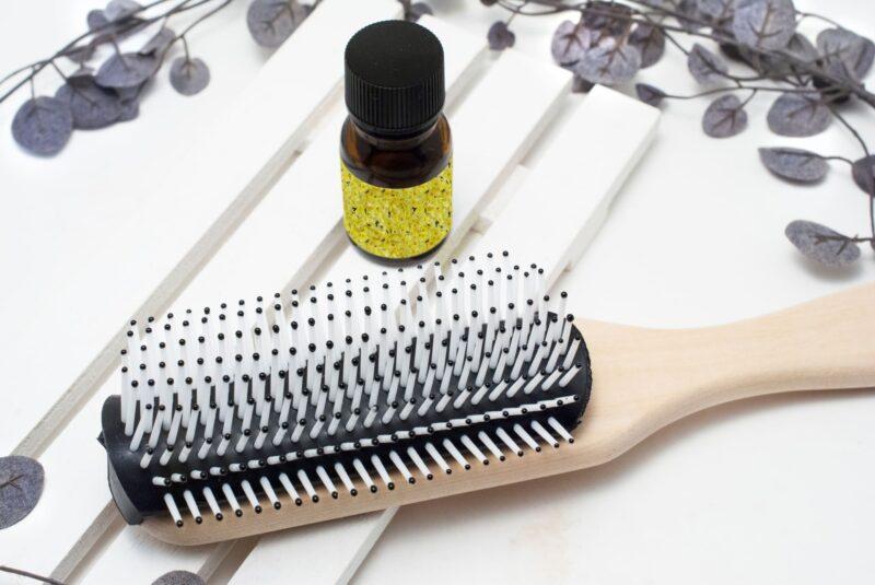 ヘアオイルを使って髪の乾燥や傷みを防ぐ方法 ヘアオイル