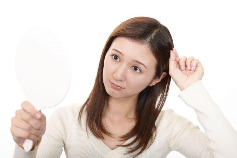 髪の生え際に出来るニキビの原因と対策 表紙
