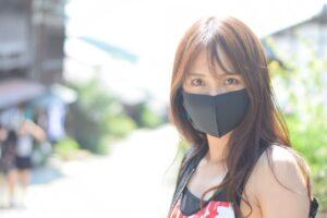 夏のマスクに起こりえるマスク焼けとは 表紙