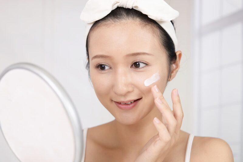 セラミドクリームは潤い美肌への近道 表紙
